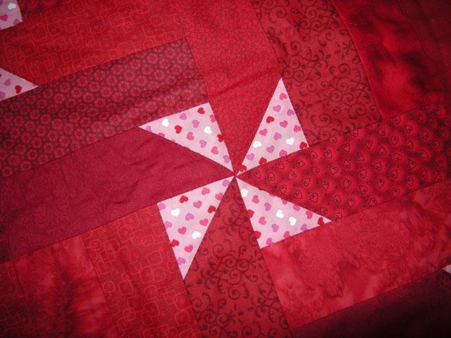 rødt patchworkstof