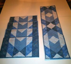 Annes udgaver af HANNES patchwork sommer DHU - 4 dækkeservietter og en løber