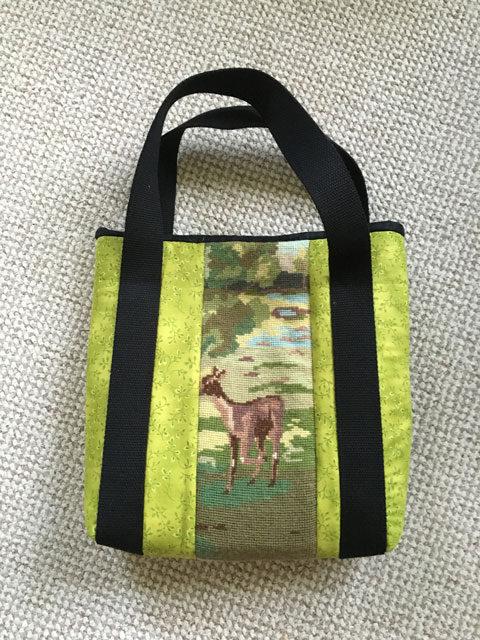 Hjorte ved skovsø taske