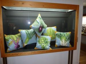 Kaffe Fassett udstilling i Silkeborg- broderi- se mere på HANNES patchwork blog