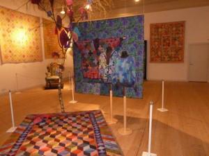 Kaffe Fassett udstilling i Silkeborg - se mere på HANNES patchwork blog