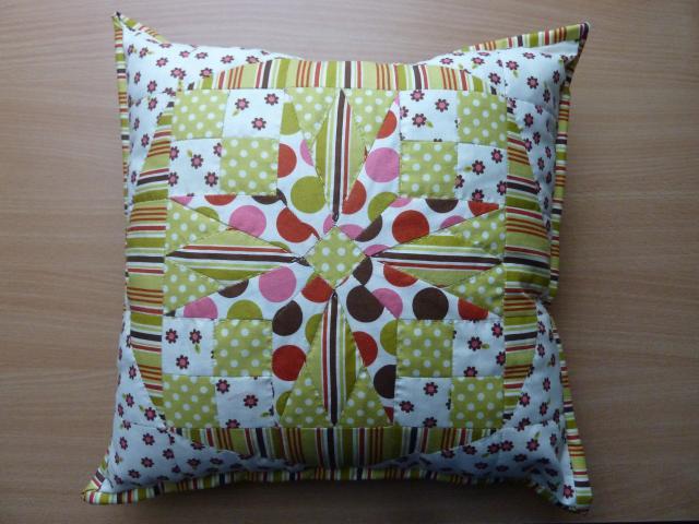 Marie Sohlvejg pude. Igen et nyt patchwork mønster fra HANNEs pachwork