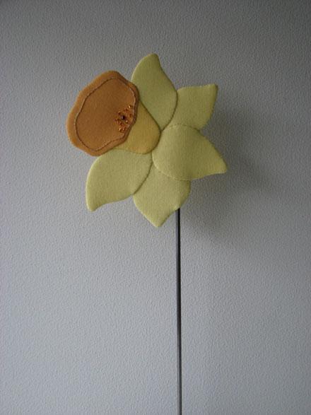 Nyt houhou mønster med påske lilje
