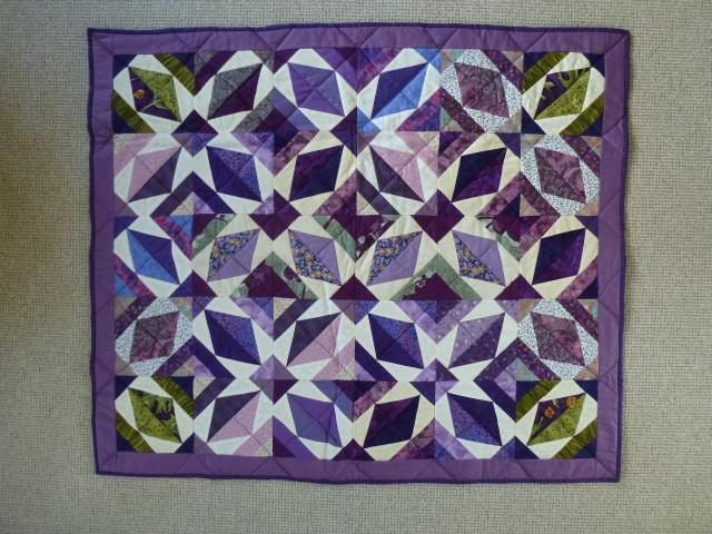Projekt puttetæppe lilla patchworktæppe