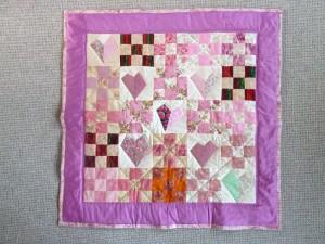 Endnu et meget flot Quilt pink tæppe - set hos HANNES patchwork