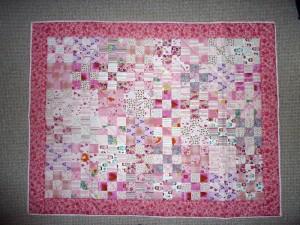 Patchwork tæppe til quilt pink -set på HANNES blog