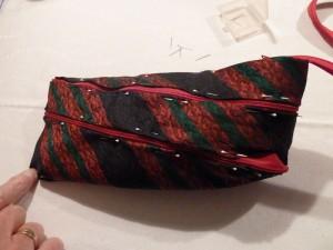 Flotte slipsetasker, en stribet lidt flad taske