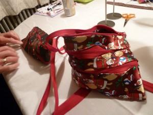 Flotte slipsetasker, både en stribet og en med juleslips